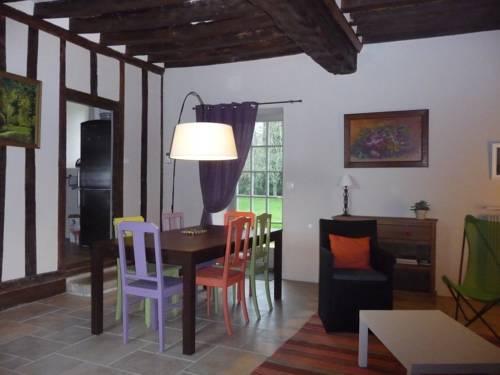 La Maison d'à Côté Cover Picture