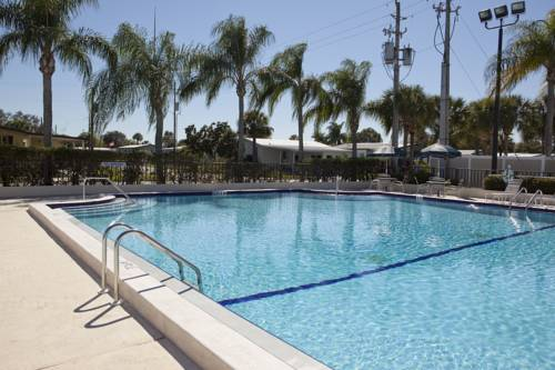 Buttonwood Bay RV Resort Cover Picture
