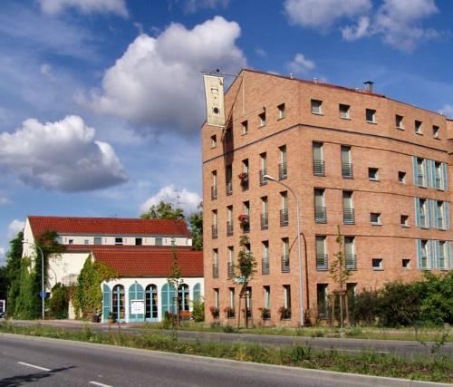 Albergo Hotel Cover Picture