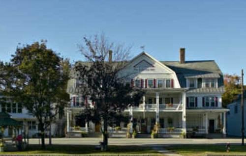Fullerton Inn & Restaurant Cover Picture