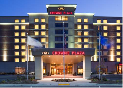 Crowne Plaza Hotel Milwaukee West Cover Picture
