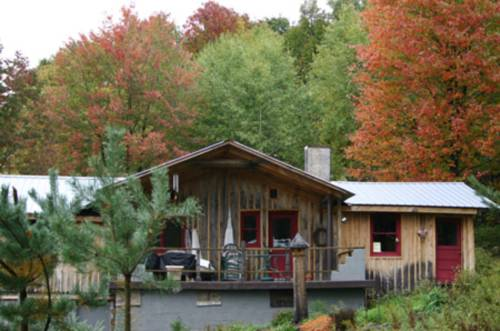 A Comfort Woods Guesthouse Cover Picture
