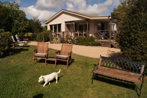 Emerald Hills Cottage Cover Picture