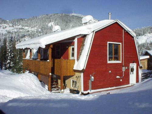 Red Barn Lodge Cover Picture
