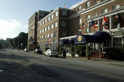 Capitol Plaza Hotel & Conference Center Cover Picture