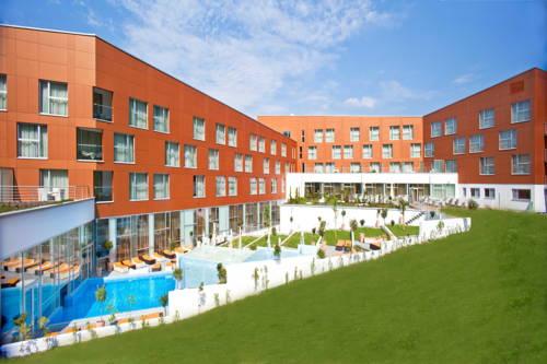 Hotel Spa Golfer - LifeClass Terme Sveti Martin Cover Picture