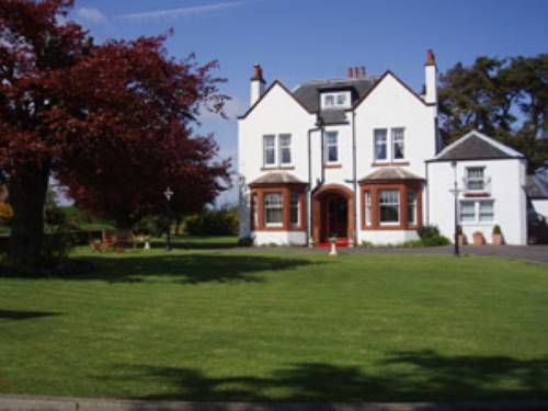 Pinewood Country House Cover Picture