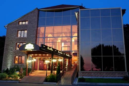 Baden-Baden Hotel Cover Picture