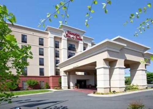 Hampton Inn & Suites Burlington Cover Picture