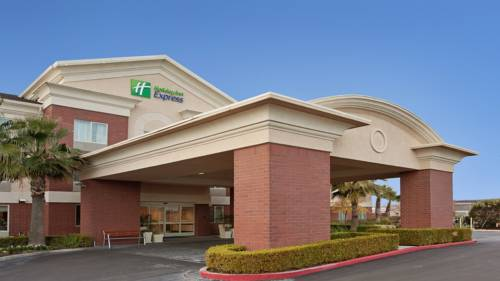 Holiday Inn Express Woodland Cover Picture