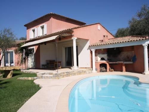 Villa Caladou Cover Picture