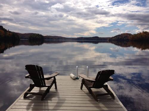 Muskoka Moments Housekeeping Cottages Cover Picture