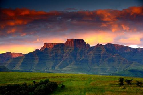 Drakensberg House Cover Picture
