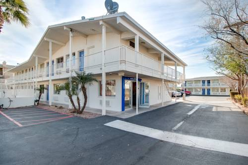 Motel 6 Phoenix East Cover Picture