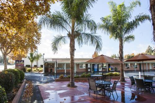 Tri-Valley Inn & Suites Cover Picture