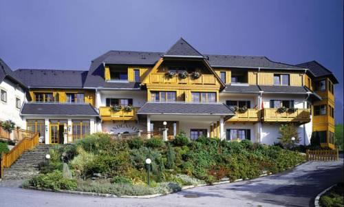 Hotel zum Steinhauser Cover Picture