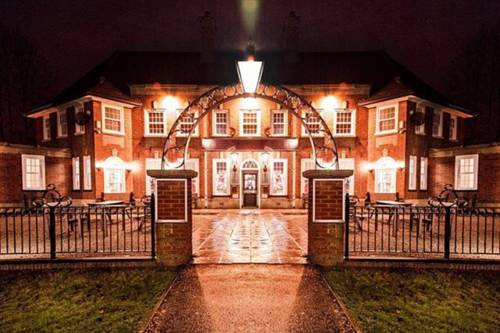 Wendover Arms Hotel Cover Picture