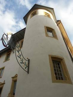 Hôtel du Cheval-Blanc Cover Picture