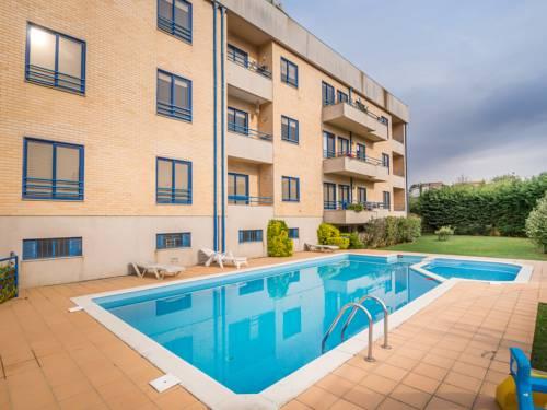 Feel Porto Francelos Beach & Pool Cover Picture