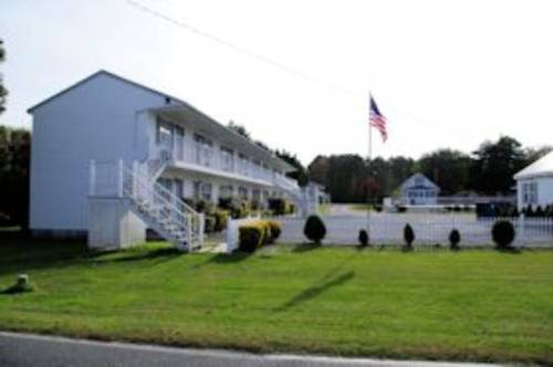 Long Acres Motel & Cottages Cover Picture