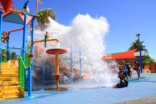 Cairns Coconut Holiday Resort Cover Picture