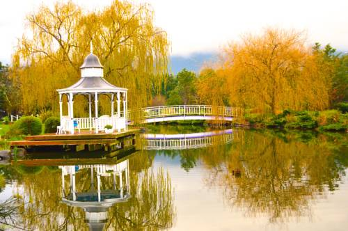 Lakeside Cottage Luxury B&B Cover Picture