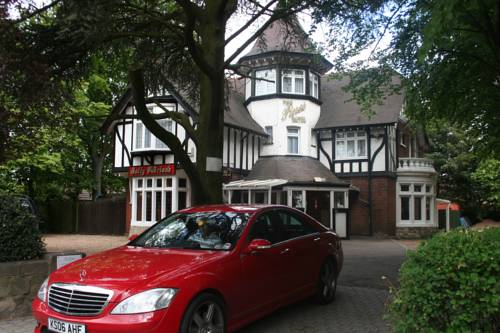 Pines Hotel Luton Airport Cover Picture