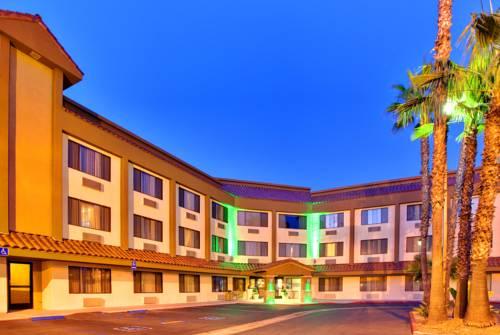 Holiday Inn La Mesa Cover Picture