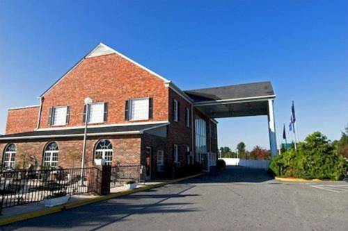 Best Western Hendersonville Inn Cover Picture