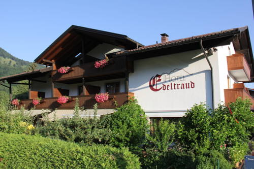 Kleines Hotel Edeltraud Cover Picture