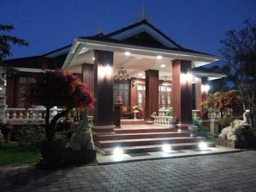 Dusita Resort Cover Picture