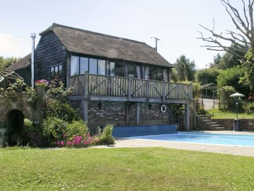 Stonehouse Farm Cottage Cover Picture