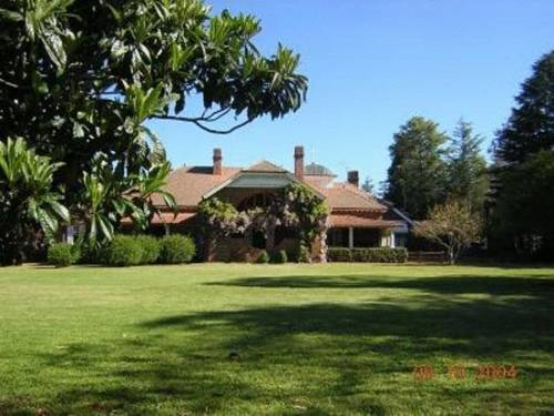 Petersons Armidale Winery and Guesthouse Cover Picture