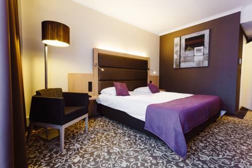 Hotel Restaurant Nivelles Sud Van Der Valk Cover Picture