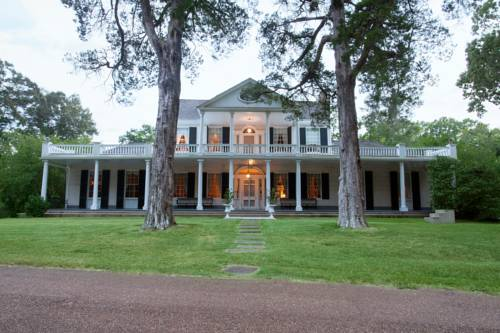 Linden - A Historic Antebellum Bed and Breakfast Cover Picture