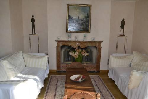 Villa Floris Cover Picture