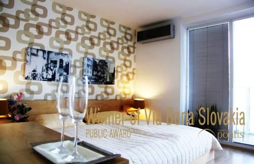 Villa Green Cover Picture