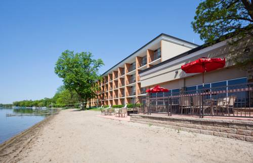 Holiday Inn Detroit Lakes Cover Picture