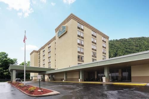 La Quinta Inn & Suites Pittsburgh North Cover Picture