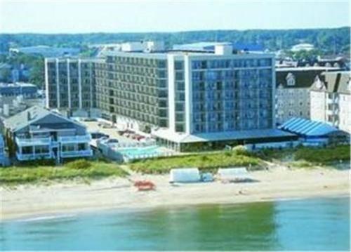 Virginia Beach Resort Hotel Cover Picture