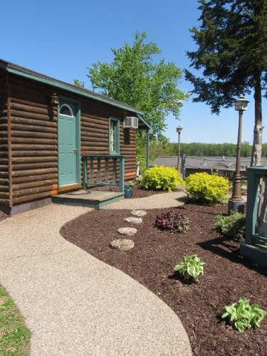 Moon River Cabins Cover Picture