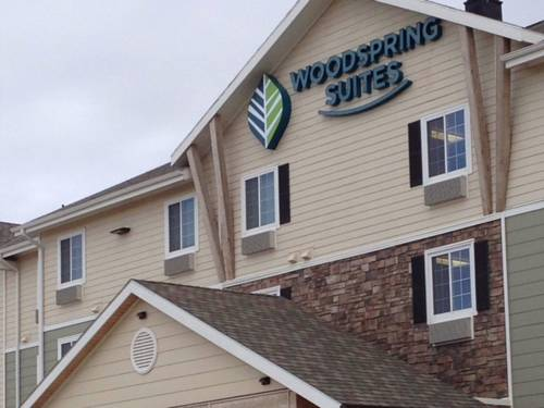 WoodSpring Suites Watford City Cover Picture