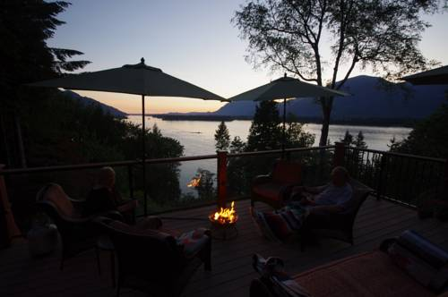 The Fraser River's Edge B&B Lodge Cover Picture
