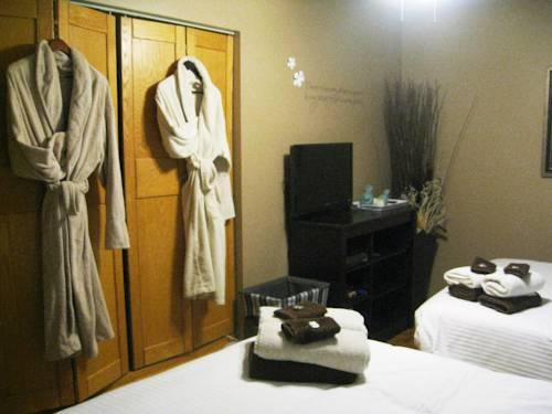 Urban Cottage Bed and Breakfast & Spa Cover Picture