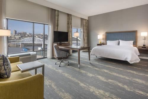 Hampton Inn & Suites Newport/Cincinnati, KY Cover Picture