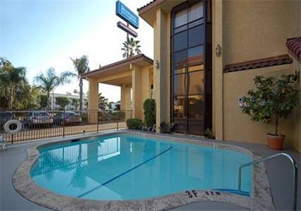 Rodeway Inn and Suites Bakersfield Cover Picture