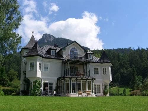Hotel Seewinkel mit Seeschlössl Cover Picture