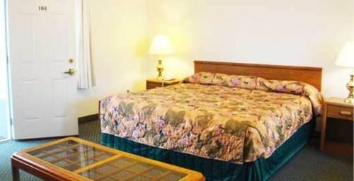 Sundowner Motel Sequim Cover Picture