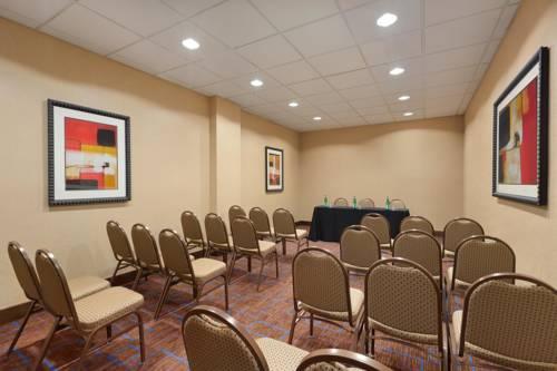Hilton Phoenix Chandler Cover Picture
