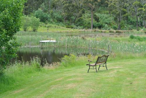 Hamlet Downs Country Accommodation Cover Picture